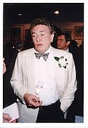 Albert Finney, Art party, Mall Galleries© Copyright Photograph by Dafydd Jones 66 Stockwell Park Rd. London SW9 0DA Tel 020 7733 0108 www.dafjones.com