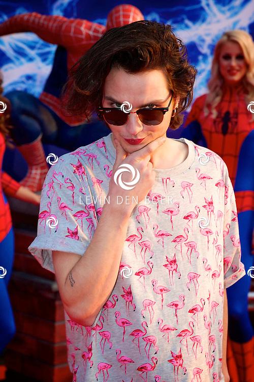 AMSTERDAM - Bij het Pathe ArenA Theater is de filmpremière van Spiderman II gehouden. Met hier op de foto  Jett Rebel, artiestennaam van Jelte Steven Tuinstra. FOTO LEVIN DEN BOER - PERSFOTO.NU