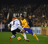 Valencia's Ruben Vezo and FC Barcelona's Neymar during La Liga match. December 5, 2015. (ALTERPHOTOS/Javier Comos)