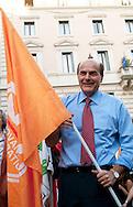 Roma  30 Maggio 2011. I partiti di centrosinistra festeggiano la vittoria delle elezioni comunali  in Italia al Pantheon con un comizio del segretario del Partito Democratico  Pier Luigi Bersani..Pier Luigi Bersani.