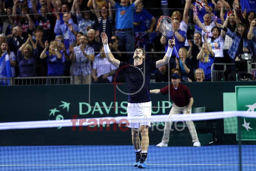 COPA DAVIS DE TÊNIS – GRÃ-BRETANHA X AUSTRÁLIA - 20/09/2015 - *BRAZIL ONLY* ATENÇAO EDITOR, FOTO EMBARGADA PARA VEICULOS INTERNACIONAIS* O tenista britânico Andy Murray comemora durante partida semifinal da Copa Davis entre Grã-Bretanha e Austrália na Emirates Arena, em Glasgow, Escócia, no domingo (20). Ella Ling/DPPI/Frame