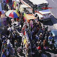 Toluca, Méx.- Aspecto de el mercado Juarez durante la compras de navidad. Agencia MVT / Daniela Bojorquez.