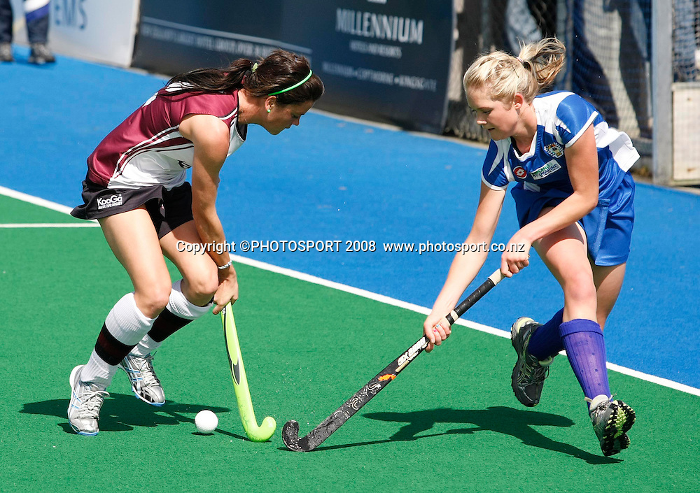 North Harbour's Natasha Fitzsimons and Auckland's Samantha Harrison tussle for the ball. Hockey, National Hockey League Women's Final, Auckland v North Harbour. Lloyd Elsmore Park, Auckland, New Zealand, Sunday 28 September.