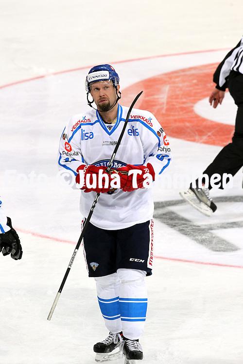 7.11.2011, Hartwall-Areena, Helsinki, Finland.<br /> Euro Hockey Tour - Karjala-turnaus 2013. <br /> Suomi - Ven&auml;j&auml; / Finland v Russia.<br /> Jere Karalahti - Suomi
