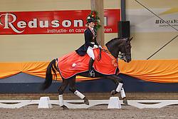Vrees - Witte Madeleine (NED) - Blom's Vontango B<br /> KNHS Indoorkampioenschappen 2010<br /> © Hippo Foto - Leanjo de Koster