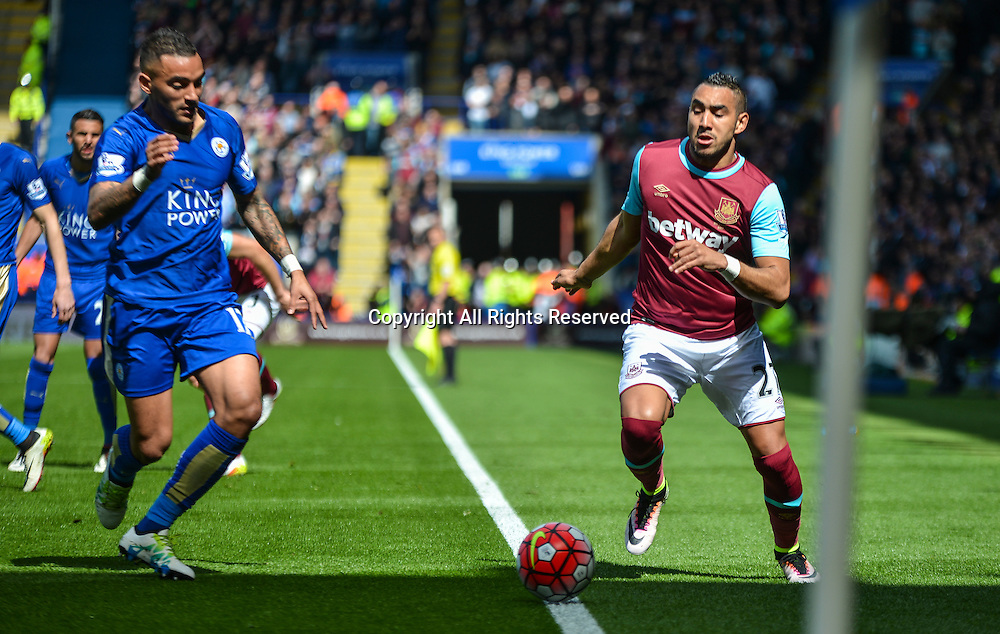 17.04.2016. King Power Stadium, Leicester, England. Barclays Premier League. Leicester City versus West Ham. Dimitri Payet of West Ham United and Danny Simpson of Leicester City battle for the ball.