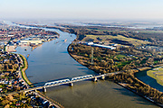 Nederland, Zuid-Holland, Sliedrecht, 07-02-2018; spoorbrug over Beneden Merwede, dubbele vakwerk-brug. Betuwelijn Elst - Dordrecht.<br /> Railwaybridge river Lower Merwede.<br /> luchtfoto (toeslag op standard tarieven);<br /> aerial photo (additional fee required);<br /> copyright foto/photo Siebe Swart