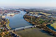 Nederland, Zuid-Holland, Sliedrecht, 07-02-2018; spoorbrug over Beneden Merwede, dubbele vakwerk-brug. Betuwelijn Elst - Dordrecht.<br /> Railwaybridge river Lower Merwede.<br /> luchtfoto (toeslag op standard tarieven);<br /> aerial photo (additional fee required);<br /> copyright foto/photo Siebe Swart