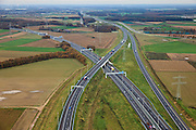 Nederland, Limburg, Gemeente Maasbracht, 15-11-2010;   Knooppunt Het Vonderen.., splitsing A2 (naar links) en A73, gezien in noordelijke richting. Junction Het Vonderen...luchtfoto (toeslag), aerial photo (additional fee required).copyright foto/photo Siebe Swart