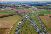 Nederland, Limburg, Gemeente Maasbracht, 15-11-2010;   Knooppunt Het Vonderen.., splitsing A2 (naar links) en A73, gezien in noordelijke richting. Junction Het Vonderen...luchtfoto (toeslag), aerial photo (additional fee required).copyright foto/photo Siebe Swart
