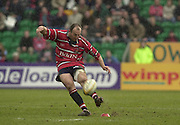 © Peter Spurrier/ Intersport Images.Photo Peter Spurrier.01/03/2003 Sport - Semi final Powergen Cup Rugby -.Leicester  v Gloucester - Franklin Gardens.Ludovic Mercier kick's a long range penalty..