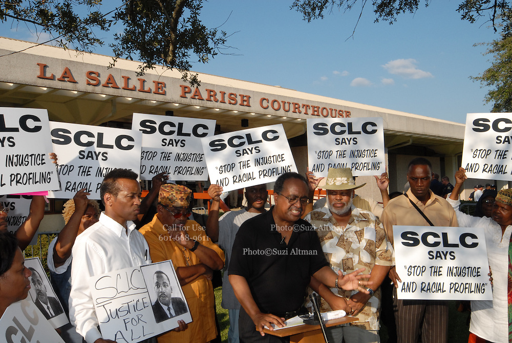 The SCLC gathers outside the LaSalle court house in Jena, Louisana. Thousands are expected to gather her to protest for six black youths that were wrongly arrested. (Photo/© Suzi Altman)