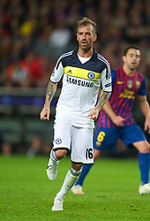 BARCELONA, SPAIN - Tuesday, April 24, 2012: Chelsea's Raul Meireles in action against FC Barcelona during the UEFA Champions League Semi-Final 2nd Leg match at the Camp Nou. (Pic by David Rawcliffe/Propaganda)
