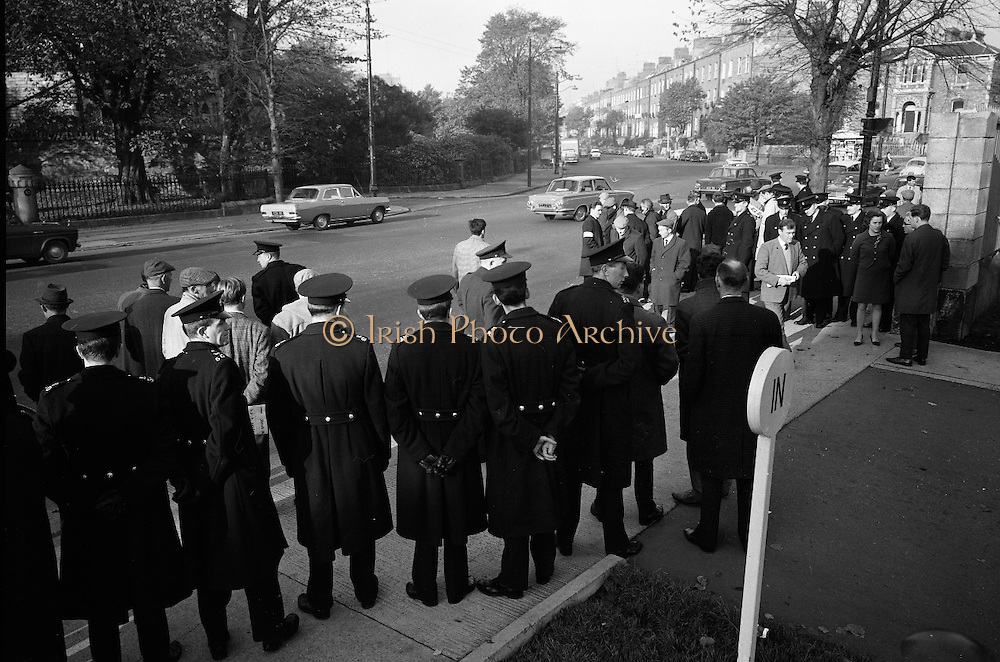 National Farmer's Association attack the car of Charlie Haughey, Minister for Agriculture. N.F.A. members surround and stop Mr. Haughey's car as he enters the Intercontinental Hotel to open the 5th Annual Congress of the British Equine Veterinary Association..25.10.1966