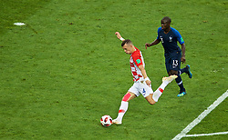 MOSCOW, RUSSIA - Sunday, July 15, 2018: Croatia's Ivan Perišić scores the first equalising goal during the FIFA World Cup Russia 2018 Final match between France and Croatia at the Luzhniki Stadium. (Pic by David Rawcliffe/Propaganda)