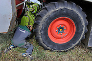 20/05/14 - MARCILLY LE CHATEL - LOIRE - FRANCE - Ensilage d herbe dans la plaine du Forez. Montage de l ensileuse - Photo Jerome CHABANNE
