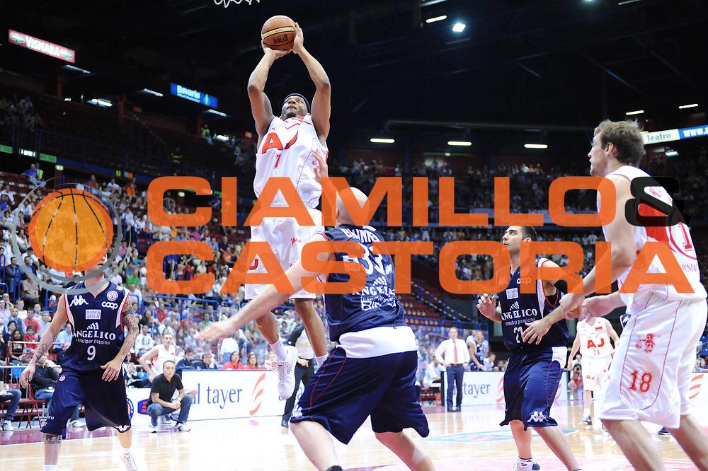 DESCRIZIONE : Milano Lega A 2008-09 Playoff Semifinali Gara 1 Armani Jeans Milano Angelico Biella<br /> GIOCATORE : Mike Hall<br /> SQUADRA : Armani Jeans Milano <br /> EVENTO : Campionato Lega A 2008-2009 <br /> GARA : Armani Jeans Milano Angelico Biella<br /> DATA : 29/05/2009<br /> CATEGORIA : super tiro<br /> SPORT : Pallacanestro <br /> AUTORE : Agenzia Ciamillo-Castoria/M.Marchi