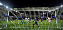 PARIS, FRANCE - Tuesday, February 16, 2016: Chelsea's John Mikel Obi scores the first equalising goal against Paris Saint-Germain during the UEFA Champions League Round of 16 1st Leg match at Parc des Princes. (Pic by David Rawcliffe/Propaganda)
