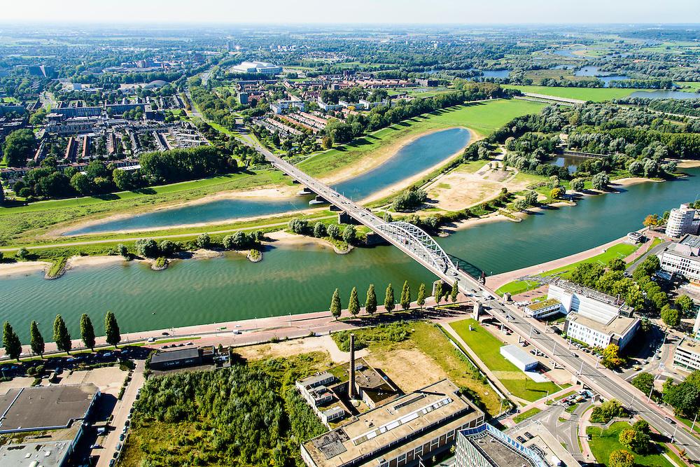 Nederland, Gelderland, Arnhem, 30-09-2015; John Frostbrug over de Nederrijn bij Arnhem. Foto richting Malburgen, Kronenburg.<br /> <br /> John Frost Bridge crossing the Lower Rhine at Arnhem.<br /> luchtfoto (toeslag op standard tarieven);<br /> aerial photo (additional fee required);<br /> copyright foto/photo Siebe Swart
