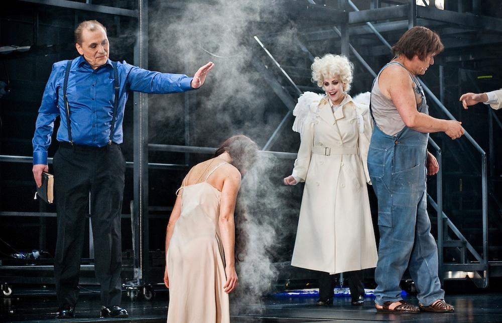 "God creating Eve in ""The Bible"" by Stein Winge at Det Norske Teatret"