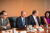 DEU, Deutschland, Germany, Berlin, 01.08.2018: V.l.n.r. Bundesaussenminister Heiko Maas (SPD), Bundesfinanzminister Olaf Scholz (SPD), Kanzleramtsminister Helge Braun (CDU), vor Beginn der 19. Kabinettsitzung im Bundeskanzleramt.