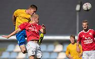 Mathias Wolf (Ølstykke FC) header på mål over Michael Mohr (Ejby) under kampen i Serie 2 mellem Ølstykke FC og Ejby IF den 7. september 2019 på Ølstykke Stadion. Foto: Claus Birch.