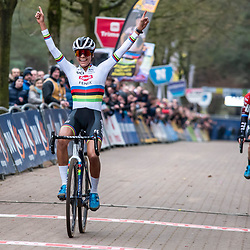 2020-02-08 Cycling: dvv verzekeringen trofee: Lille: Ceylin Alvarado celebrating her winning of the final sprint