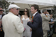 Ray Winstone, Susie Amy and Max Beazley, Veuve Clicquot Gold Cup 2006. Final day. 23 July 2006. ONE TIME USE ONLY - DO NOT ARCHIVE  © Copyright Photograph by Dafydd Jones 66 Stockwell Park Rd. London SW9 0DA Tel 020 7733 0108 www.dafjones.com
