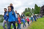 Nederland, Wijchen, 2-6-2015Avondvierdaagse met veel kinderen en scholieren die met hun ouders meelopen.FOTO: FLIP FRANSSEN/ HOLLANDSE HOOGTE