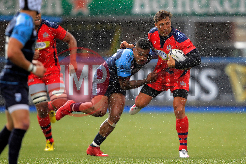 Gavin Henson of Bristol Rugby (R) in action with Rey Lee Lo of Cardiff Blues - Mandatory by-line: Ian Smith/JMP - 20/08/2016 - RUGBY - BT Sport Cardiff Arms Park - Cardiff, Wales - Cardiff Blues v Bristol Rugby - Pre-season friendly