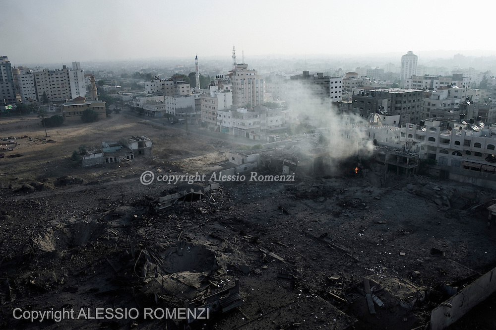 Gaza City: Panoramic view of a former Palestinian military compound after an Israeli airstrike in Gaza City. November 19, 2012. ALESSIO ROMENZI