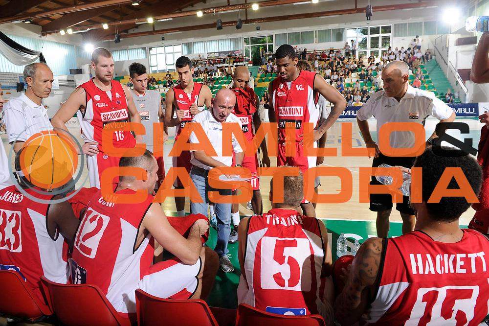 DESCRIZIONE : Porto Sant Elpidio Lega A 2011-2012 Torneo Della Calzatura Scavolini Siviglia Pesaro Sidigas Avellino<br /> GIOCATORE : Luca Dalmonte<br /> CATEGORIA : coach time out<br /> SQUADRA : Scavolini Siviglia Pesaro<br /> EVENTO : Campionato Lega A 2011-2012<br /> GARA : Scavolini Siviglia Pesaro Sidigas Avellino<br /> DATA : 24/09/2011<br /> SPORT : Pallacanestro<br /> AUTORE : Agenzia Ciamillo-Castoria/C.De Massis<br /> GALLERIA : Lega Basket A 2011-2012<br /> FOTONOTIZIA : Porto Sant Elpidio Lega A 2011-2012 Torneo Della Calzatura Scavolini Siviglia Pesaro Sidigas Avellino<br /> PREDEFINITA :