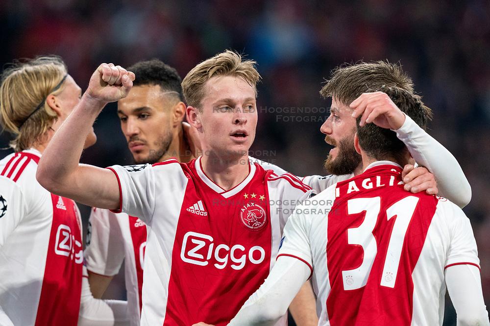 08-05-2019 NED: Semi Final Champions League AFC Ajax - Tottenham Hotspur, Amsterdam<br /> After a dramatic ending, Ajax has not been able to reach the final of the Champions League. In the final second Tottenham Hotspur scored 3-2 / Kasper Dolberg #25 of Ajax, Frenkie de Jong #21 of Ajax, Nicolas Tagliafico #31 of Ajax, Noussair Mazraoui #12 of Ajax, Lasse Schone #20 of Ajax