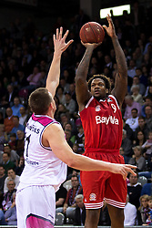 28.03.2016, Telekom Dome, Bonn, GER, Beko Basketball BL, Telekom Baskets Bonn vs FC Bayern Muenchen, 23. Runde, im Bild Deon Thompson (FC Bayen Muenchen #9) beim Sprungwurf gegen Tadas Klimavicius (Telekom Baskets Bonn #11) // during the Beko Basketball Bundes league 23th round match between Telekom Baskets Bonn and FC Bayern Munich at the Telekom Dome in Bonn, Germany on 2016/03/28. EXPA Pictures © 2016, PhotoCredit: EXPA/ Eibner-Pressefoto/ Schüler<br /> <br /> *****ATTENTION - OUT of GER*****