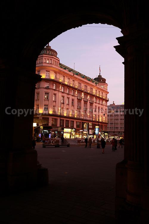 Hotel Bristol, view from Opera, Vienna, Austria // Hotel Bristol, vu de l Opera, Vienne, Autriche