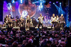 31.12.2017, Innenstadt, Wien, AUT, Wiener Silvesterpfad 2017, im Bild The New Commitments auf der Bühne Am Hof // during the 2017 Vienna Sylvester Path at the downtown area of Vienna, Austria on 2017/12/31. EXPA Pictures © 2017, PhotoCredit: EXPA/ Sebastian Pucher