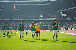 04.05.2013, Weserstadion, Bremen, GER, 1. FBL, SV Werder Bremen vs TSG 1899 Hoffenheim, 32. Runde, im Bild die Mannschaft mach dem Abpfiff auf dem Weg in die Fankurve // during the German Bundesliga 32nd round match between the clubs SV Werder Bremen vs TSG 1899 Hoffenheim at the Weserstadion, Bremen, Germany on 2013/05/04. EXPA Pictures © 2013, PhotoCredit: EXPA/ Andreas Gumz ***** ATTENTION - OUT OF GER *****