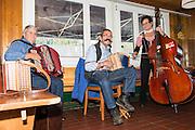 Die Glarner Oergelifründe spielen in Bergrestaurant Habergschwänd