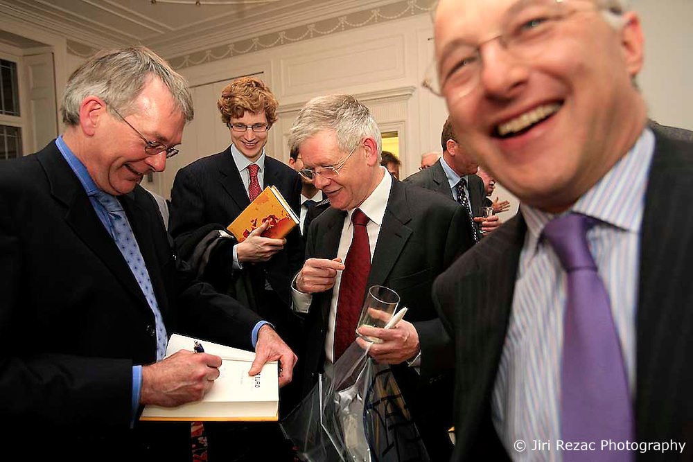UK ENGLAND LONDON 25FEB09 - Author David Marsh chats with guests and signs copies of his book 'The Euro' at a reception hosted by the German Embassy in London. Various dignitaries spoke and commented on David Marsh's new book 'The Euro', a history of the European Monetary Union...jre/Photo by Jiri Rezac..© Jiri Rezac 2009