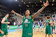 DESCRIZIONE : Torino Coppa Italia Final Eight 2012 Finale Montepaschi Siena Bennet Cantu <br /> GIOCATORE : David Moss<br /> CATEGORIA : esultanza scelta<br /> SQUADRA : Montepaschi Siena<br /> EVENTO : Suisse Gas Basket Coppa Italia Final Eight 2012<br /> GARA : Montepaschi Siena Bennet Cantu<br /> DATA : 19/02/2012<br /> SPORT : Pallacanestro<br /> AUTORE : Agenzia Ciamillo-Castoria/C.De Massis<br /> Galleria : Final Eight Coppa Italia 2012<br /> Fotonotizia : Torino Coppa Italia Final Eight 2012 Finale Montepaschi Siena Bennet Cantu<br /> Predefinita :