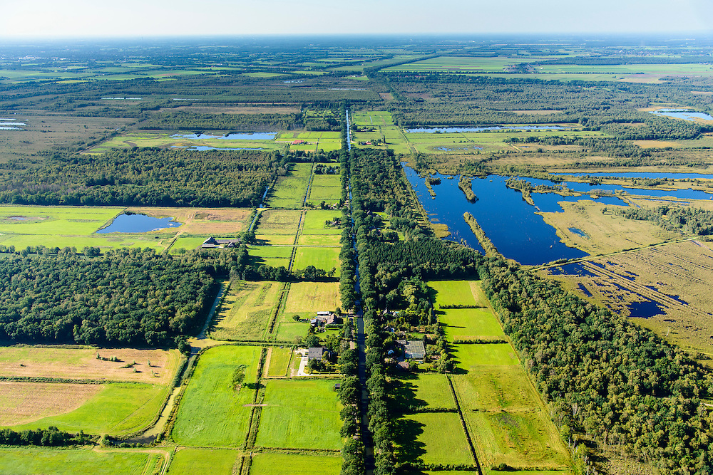 Nederland, Noord-Brabant, Gemeente Deurne, 23-08-2016; Deurnsche Peel met Kanaal van Deurne, tussen Helenaveen en Griendtsveen.<br /> Region of the Peel, former peat bog.<br /> aerial photo (additional fee required); <br /> luchtfoto (toeslag op standard tarieven);<br /> copyright foto/photo Siebe Swart