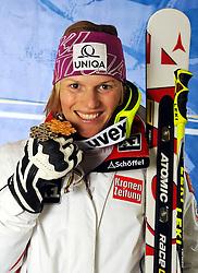 19.02.2011, Gudiberg, Garmisch Partenkirchen, GER, FIS Alpin Ski WM 2011, GAP, Damen, Slalom, im Bild Gold Medaille und Weltmeister Marlies Schild (AUT) // Gold Medal and World Champion Marlies Schild (AUT) during Ladie's Slalom Fis Alpine Ski World Championships in Garmisch Partenkirchen, Germany on 19/2/2011. EXPA Pictures © 2011, PhotoCredit: EXPA/ E. Spiess +++++ ACHTUNG - BILDER DÜRFEN ERST NACH 18.30 UHR PUBLIZIERT WERDEN WARNING - IMAGES MAY NOT BE PUBLISHED UNTIL AFTER 18:30 CLOCK +++++