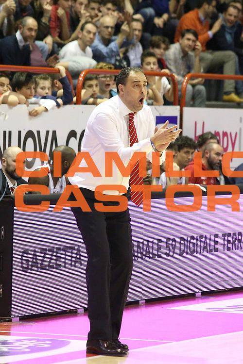 DESCRIZIONE : Campionato 2014/15 Giorgio Tesi Group Pistoia - Acqua Vitasnella Cant&ugrave;<br /> GIOCATORE : Moretti Paolo<br /> CATEGORIA : Allenatore Coach Delusione<br /> SQUADRA : Giorgio Tesi Group Pistoia<br /> EVENTO : LegaBasket Serie A Beko 2014/2015<br /> GARA : Giorgio Tesi Group Pistoia - Acqua Vitasnella Cant&ugrave;<br /> DATA : 30/03/2015<br /> SPORT : Pallacanestro <br /> AUTORE : Agenzia Ciamillo-Castoria/S.D'Errico<br /> Galleria : LegaBasket Serie A Beko 2014/2015<br /> Fotonotizia : Campionato 2014/15 Giorgio Tesi Group Pistoia - Acqua Vitasnella Cant&ugrave;<br /> Predefinita :