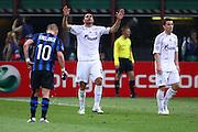 """Foto: Jonathan Moscrop - LaPresse<br /> 05 04 2011 Milano ( Italia )<br /> Sport Calcio<br /> FC Inter vs FC Shalke 04 - UEFA Champions League 2010-2011 Quarti di finale andata - Stadio Giuseppe Meazza """"San Siro"""" di Milano<br /> Nella foto: esultanza del Shalke 04 dopo la rete del 2-5 di Edu<br /> <br /> Photo: Jonathan Moscrop - LaPresse<br /> 05 04 2011 Milan ( Italy )<br /> Sport Soccer<br /> FC Internazionale Milano versus FC Shalke 04 - UEFA Champions League 2010-2011 Quarter final 1st leg - Giuseppe Meazza """"San Siro"""" Stadium Milan<br /> In the Photo: FC Shalke 04 players celebrate after Edu's goal gave the side a 5-2 lead"""
