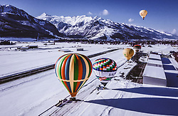 04.02.2019, Zell am See - Kaprun, AUT, BalloonAlps, im Bild Heissluftballone beim Start am Flugplatz Zell am See // Hot air balloons take off at the airfield Zell am See during the International Balloonalps Alps Crossing Event, Zell am See Kaprun, Austria on 2019/02/04. EXPA Pictures © 2019, PhotoCredit: EXPA/ JFK