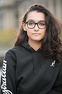 blouson noir et sweatshirt noir