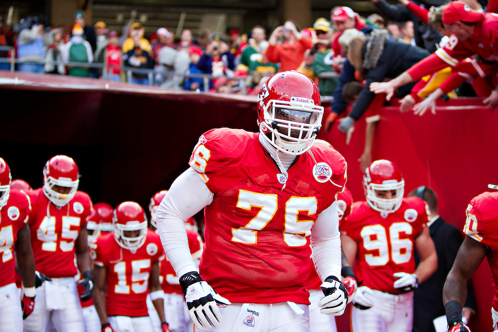 KANSAS CITY, MO - DECEMBER 18:   Branden Albert #76 of the Kansas City Chiefs runs onto the field before a game against the Green Bay Packers at Arrowhead Stadium on December 18, 2011 in Kansas CIty, Missouri.  The Chiefs defeated the Packers 19-14.   (Photo by Wesley Hitt/Getty Images) *** Local Caption *** Branden Albert