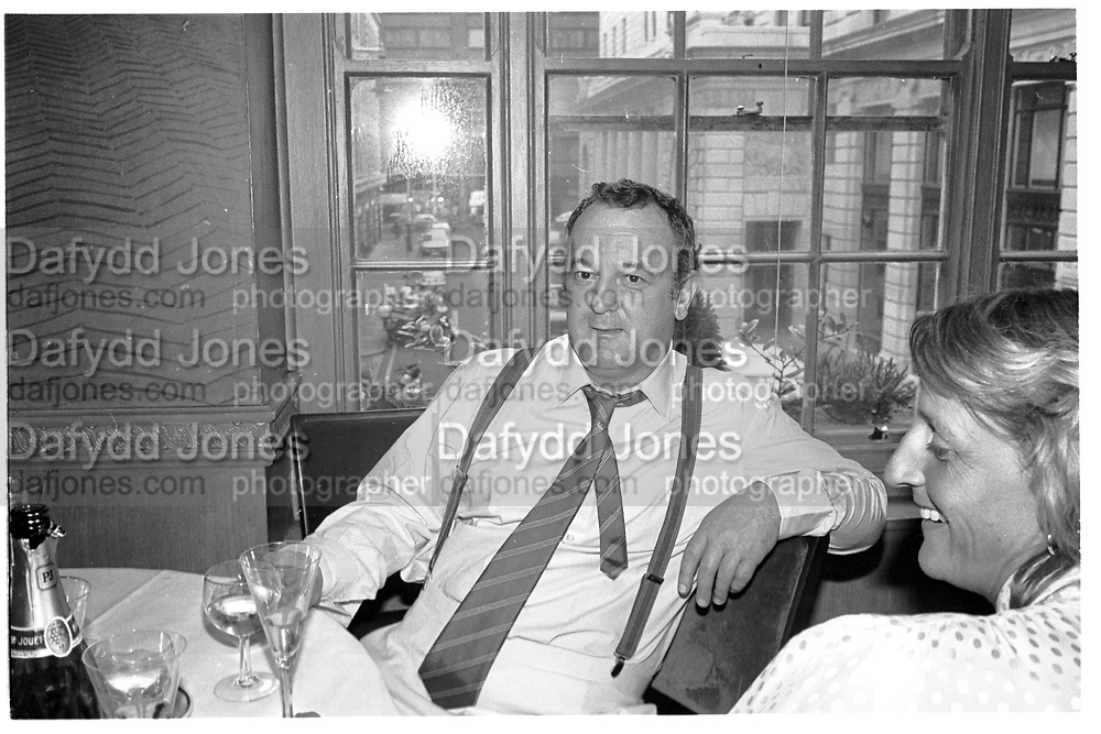 PETER LANGAN, Langans goodbye party. 1984. SUPPLIED FOR ONE-TIME USE ONLY> DO NOT ARCHIVE. © Copyright Photograph by Dafydd Jones 248 Clapham Rd.  London SW90PZ Tel 020 7820 0771 www.dafjones.com