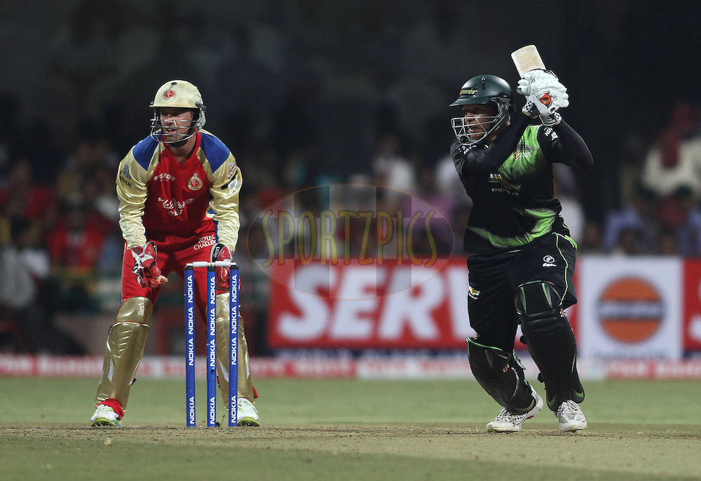 Justin Kreusch of the Warriors sets off for a run during match 1 of the NOKIA Champions League T20 ( CLT20 )between the Royal Challengers Bangalore and the Warriors held at the  M.Chinnaswamy Stadium in Bangalore , Karnataka, India on the 23rd September 2011..Photo by Shaun Roy/BCCI/SPORTZPICS