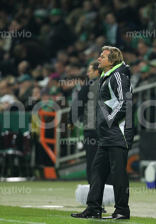 28.11.07 UEFA Champions League 2007/08 Gruppenphase SV Werder Bremen - Real Madrid Trainer Bernd SCHUSTER (Real).